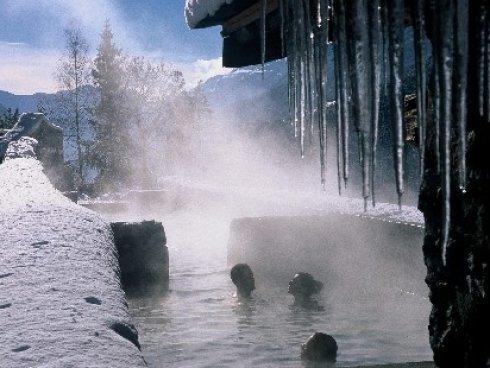 Sulle alpi col bikini fluo linea mare blu - Bormio bagni vecchi indirizzo ...
